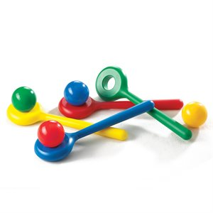 4 plastic spoons and balls